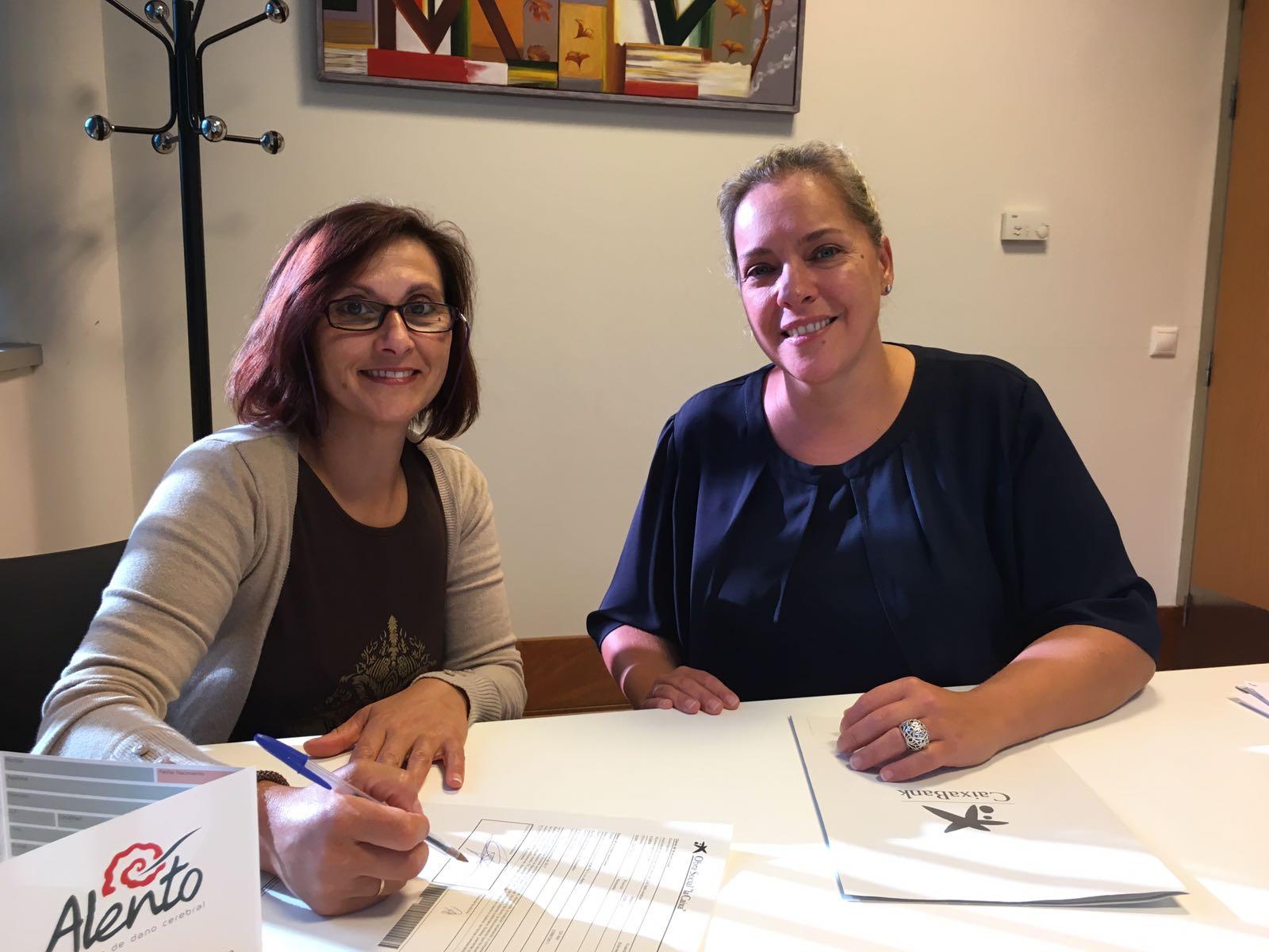 Firma de convenio de colaboración entre Caixabank y ALENTO